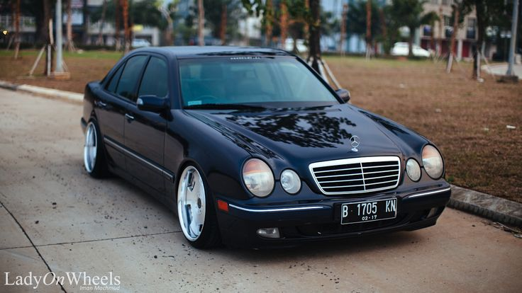 Ladyonwheels mercedes benz w210 indonesian stance fabulous for Mercedes benz c240 tune up