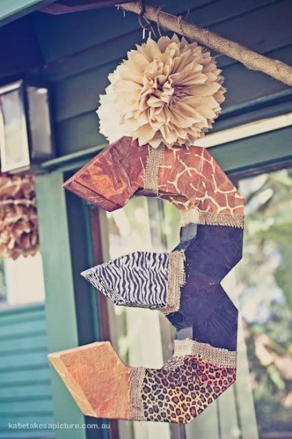 Una piñata muy elegante, idóneo para una fiesta jungla o una fiesta safari / An elegant piñata, ideal for a jungle or a safari party