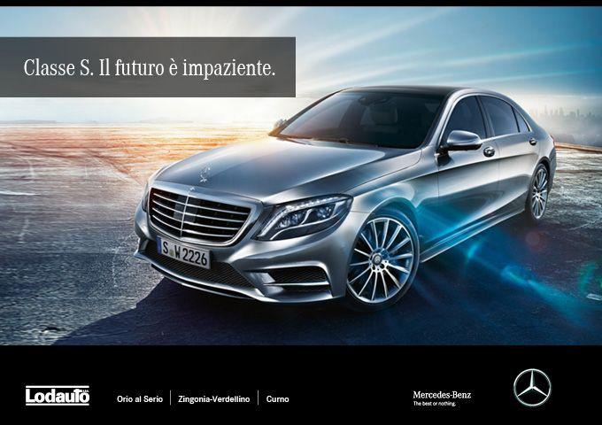 #MercedesClasseS restyling 2017, debutta a Shanghai. Aggiornata a livello stilistico, offre nuovi propulsori e inediti sistemi per l'#assistenzaallaguida: frena da sola e anticipa le manovre.