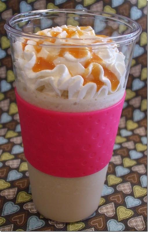 Copycat McDonald's Caramel Frappe~ OH WOW!! This is dangerous!