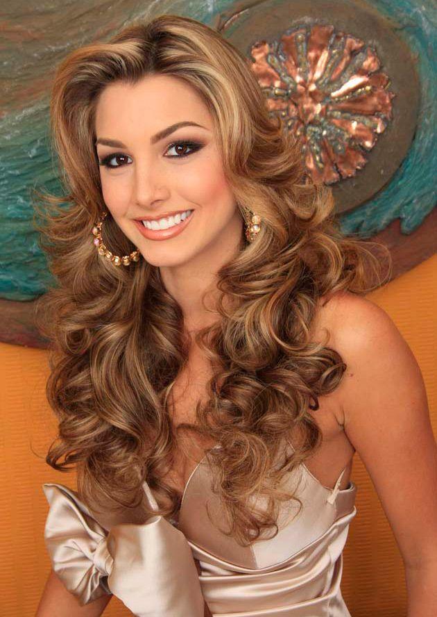 Caroline Medina; Miss Venezuela 2011 <3 isn't she g o r g e o u s ??