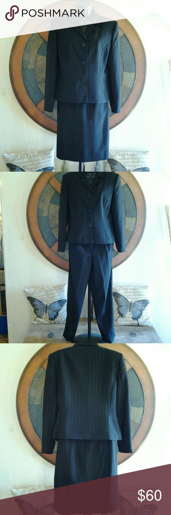 ■TWO DAY SALE■ Karen Scott petites 3 piece10P & 8P Karen Scott petites 3 piece suit size 10P Blazer & both pants and skirt are size 8P. Black with silver pin stripes Karen Scott  Other
