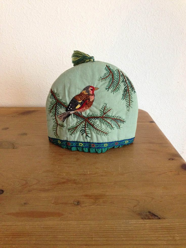 Inspiration file29 Tea cozy with Russian embroidery | kokka-fabric.com/en