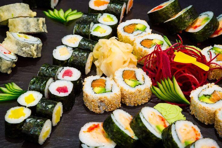 Čerstvě připravené sushi a další japonské speciality