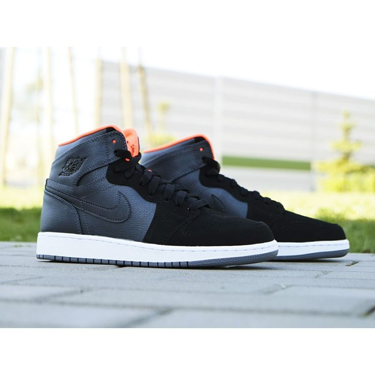 NIKE AIR JORDAN 1 RETRO HIGH BG 705300-016