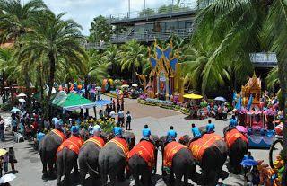 Mengunjungi Nong Nong Village dala Paket Wisata ke Bangkok Pattaya Thailand dengan harga murah USD 119. Minimal 2 orang bisa berangkat kapan aja. Promo berlaku sampai desember 2014. Info lebih lanjut visit sentosawisata dot com