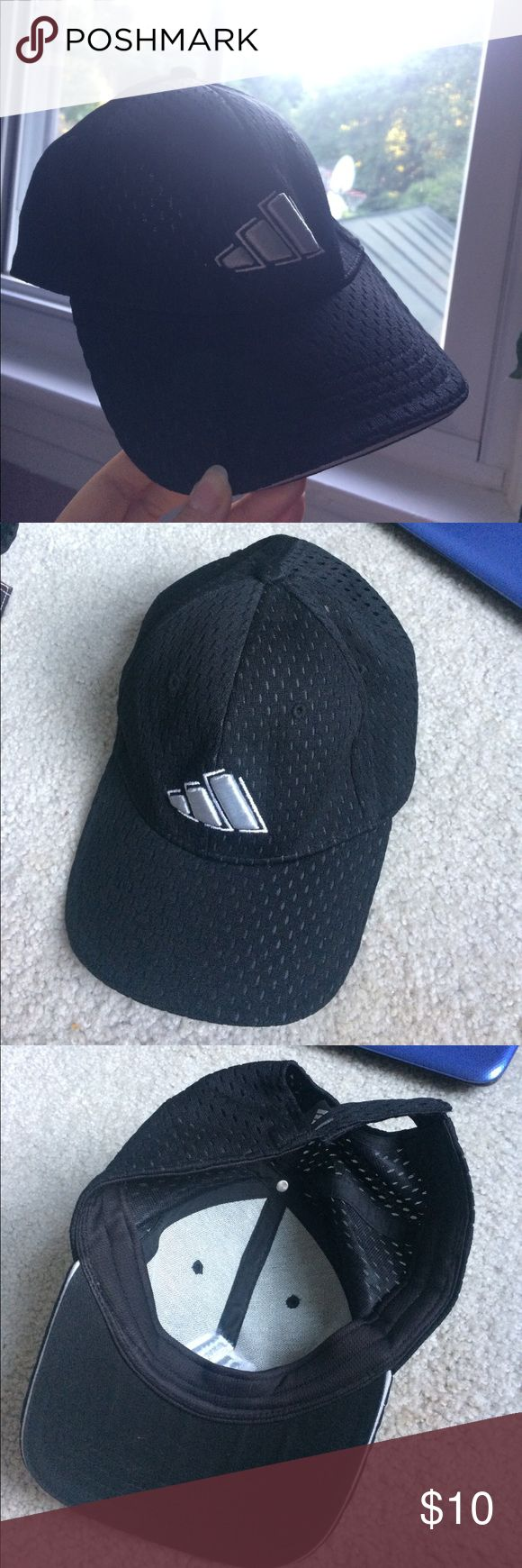 Adidas Baseball Cap Cute and old fashioned Adidas baseball cap. Perfect condition, no signs of wear. Great for summer.🌻 adidas Accessories Hats