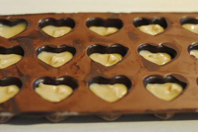 Anne's hyggested: Fyldte chokolader med hvidchokolade/lakrids ganache