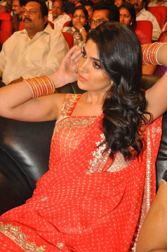 Deeksha Seth Latest Images - Tamil Actress Images Vettai Mannan | Rebel | Deeksha Seth Images | Deeksha Seth Gallery - Accesskollywood.com