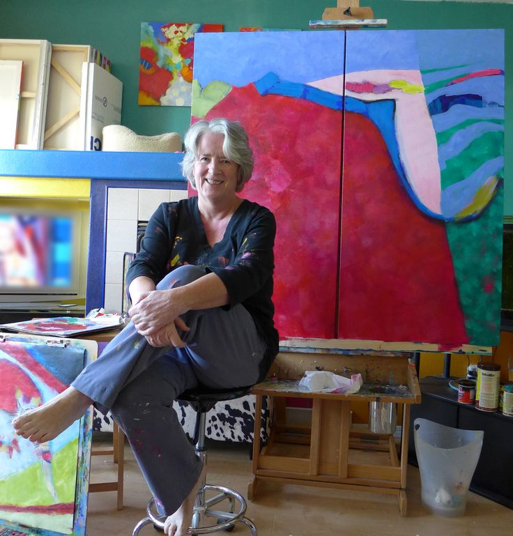 FINEARTSEEN - Discover the inspiration behind abstract artist Valerie Erichsen Thomson's vibrant work in an exclusive artist interview with FineArtSeen. << Pin For Later >>