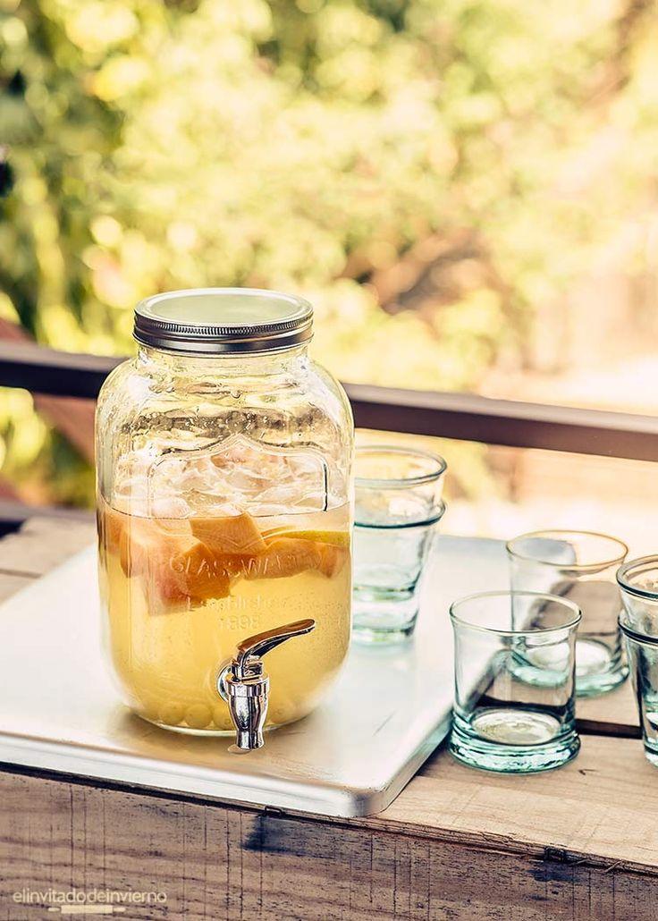 Receta fácil y natural de sangría blanca, limonada, zurra, cuerva o ponche, como más os guste. Elaboración con fotos paso a paso.