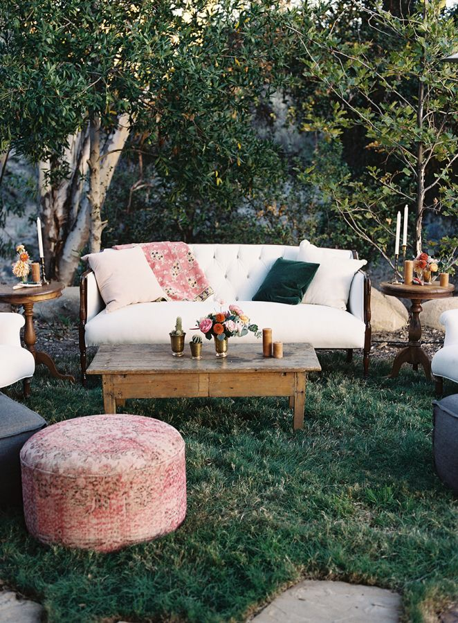 Boho chic outdoor lounge area: http://www.stylemepretty.com/2016/01/11/boho-chic-ojai-ca-wedding/ | Photography: Tec Petaja - http://tecpetajaphoto.com/