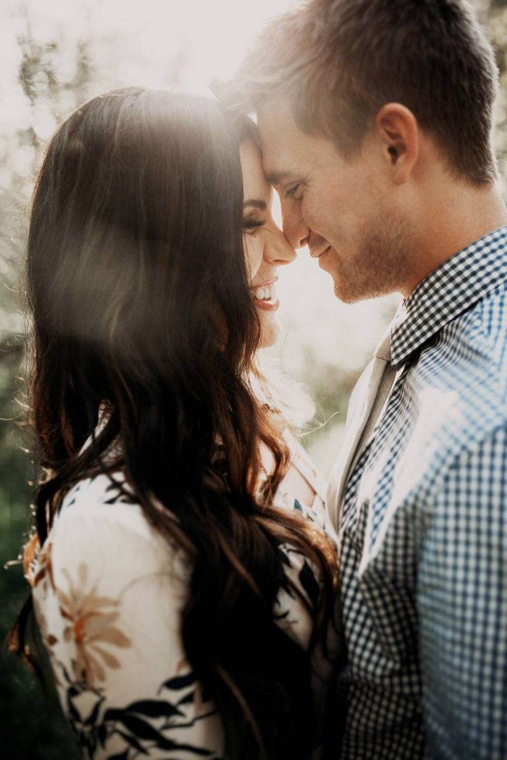 Stunning light filled Utah engagement photos via Magnolia Rouge