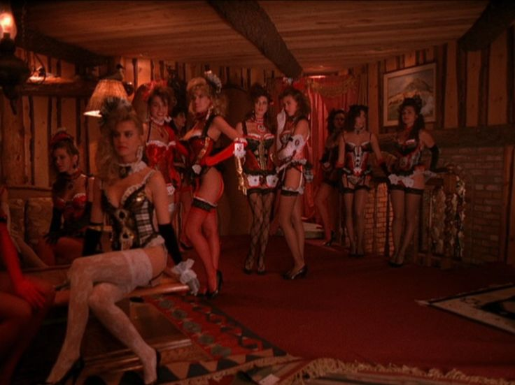 twin peaks single lesbian women 11 erotic films from the 2000s that every woman should see  but it also gives us one of the most beautifully shot lesbian love scenes ever put to film  from the guy who did twin peaks 3 .