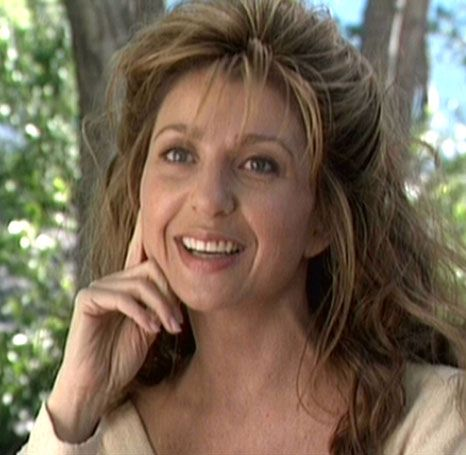 Anij (Donna Murphy) - Star Trek: Insurrection