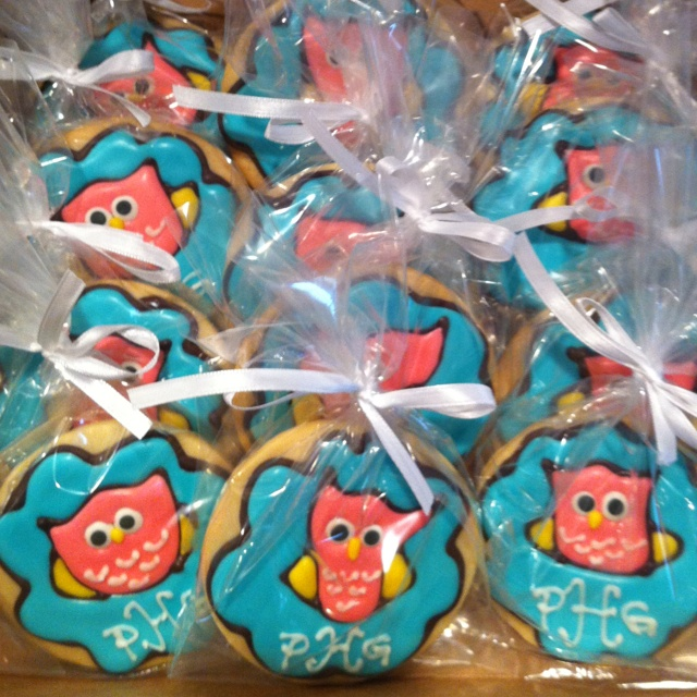 Owl baby shower cookie favors