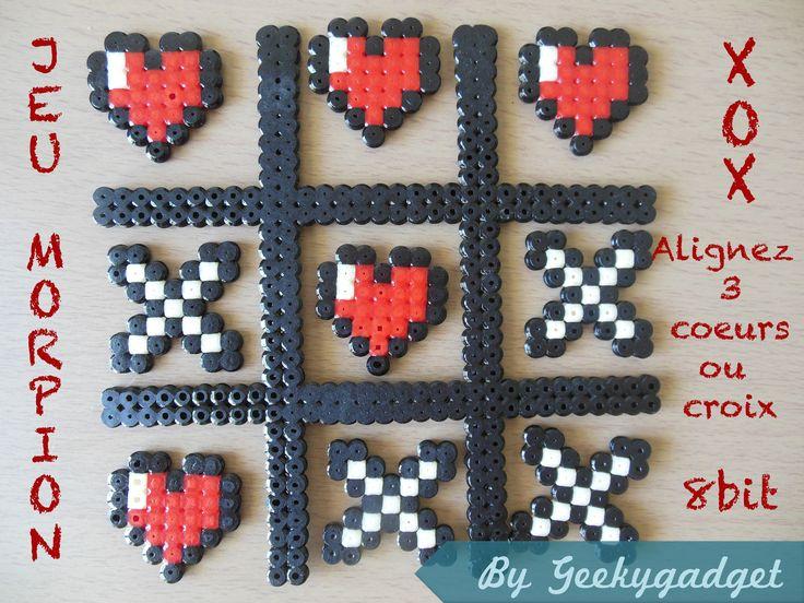 Jeu Morpion geek romantique coeurs -croix en perles Hama
