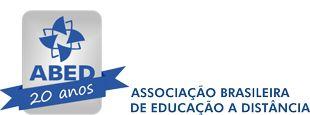 ABED - No site da Associação Brasileira de Ensino a Distancia dá para encontrar cursos de todas as áreas. Quando achar algo que interessa, consulte pra que tipo de público eles são: se eles são livres (não exigem conhecimento anterior), grátis ou pagos, e credenciados ou não pelo MEC.