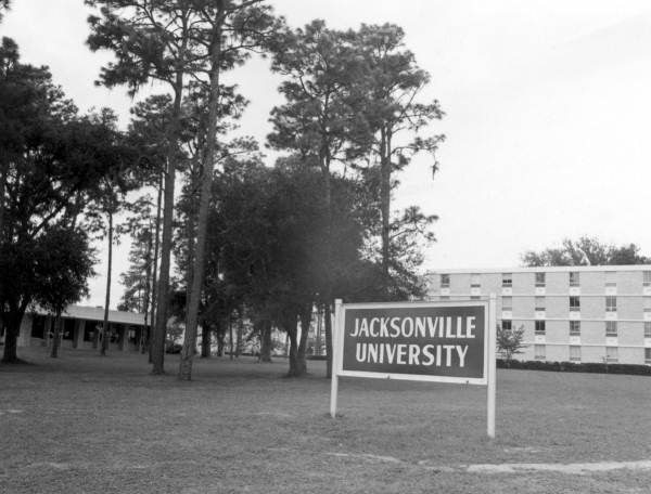Florida Memory - Sign in front of Jacksonville University - Jacksonville, Florida 1970