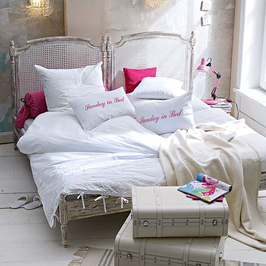 Die besten 25+ Romantisches lila schlafzimmer Ideen auf Pinterest - romantisches schlafzimmer mit himmelbett gestalten