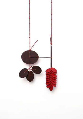 Dongchun Lee - Inhale Exhale - necklace, 2009, iron, paint - 152 x 193 x 34 mm