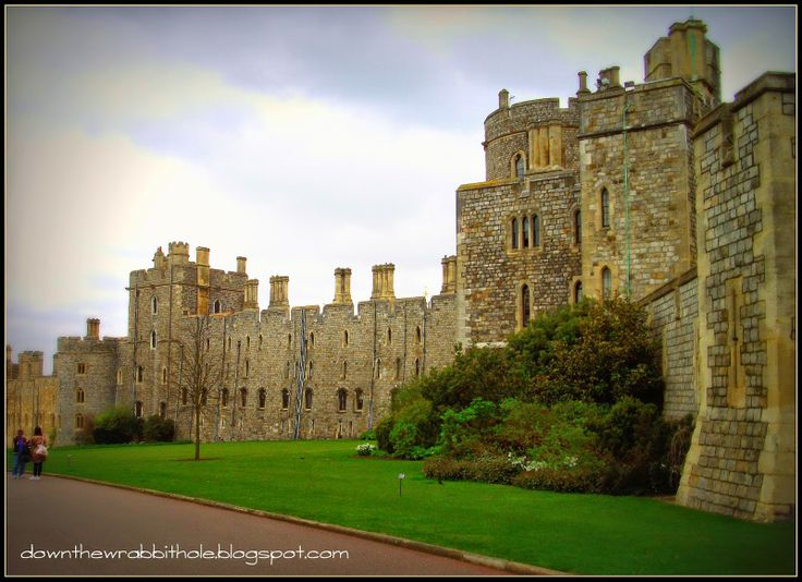 """Explore the history and beauty of Windsor Castle, London - and maybe see the Queen... Find out more at """"Down the Wrabbit Hole - The Travel Bucket List"""". Click the image for the blog post."""