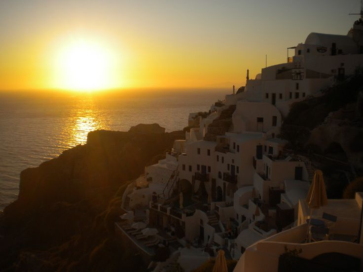 World's most famous sunset in Oia