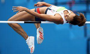 Джессика Эннис-Хилл снят 1.89 м в прыжках в высоту