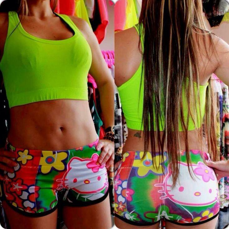 Pantalón corto Hello Kitty flores!