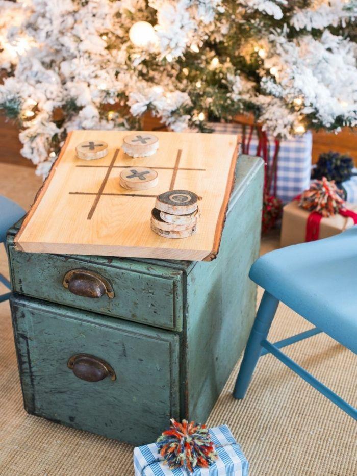 jeu de société populaire, joué sur une planche en bois DIY, idée intéressante de cadeau fête des pères à fabriquer