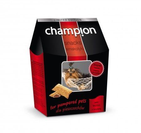 Champion Smakołyki dla pieszczochów. Smakołyki dla psów wzbogacone o lecytynę, która korzystnie wpływa na funkcjonowanie układu nerwowego. Produkt dostępny w poręcznym i eleganckim kartonikowym opakowaniu.