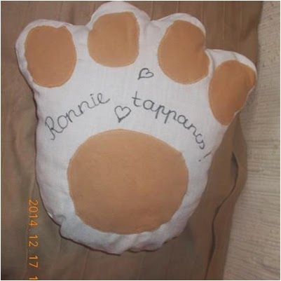 bulldog paw pillow :-)