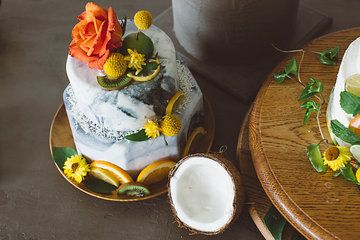 Photo from Retro+Tropical+Industrial+Fusion+ collection Styling by Dana Smyl Event Florist. Photography by Michelle+Larmand+Photography