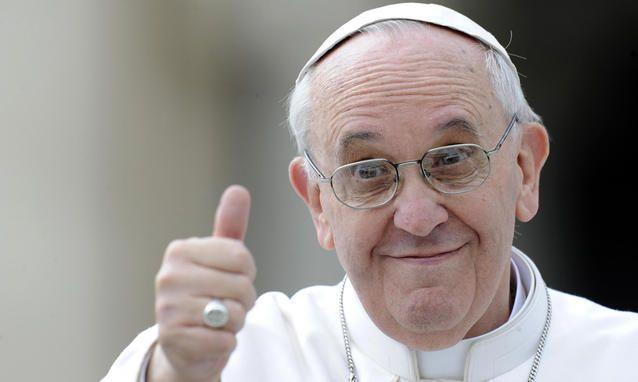 Ötven+évvel+ezelőtt+még+szinte+elképzelhetetlen+volt,+hogy+egy+pápa+interjút+adjon+egy+világi+napilapnak.+A+Szentszék+azóta+felfedezte+a+médiát+–+különösen+II.+János+Pál+élt+vele+–+az+amúgy+is+rendkívül+kommunikatív+Ferenc+pápa+esetében+pedig+már+senki+sem+lepődik+meg…