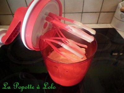 Recette tirée du livret de recette 1001 astuce pour le speedy chef Ingrédients : 2 jaunes d'oeufs 50 ml de moutarde 300 ml d'huile sel et poivre Dans le speedy chef Tupperware, mettre les jaunes d'oeuf, la moutarde et 50 ml d'huile. Donner 3 tours de...