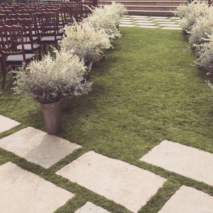 The Raum - Pond Garden Wedding #Garden_wedding #flower #party #brise