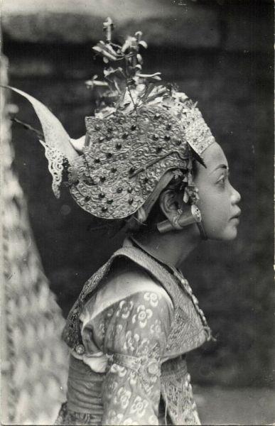BALI, Beautiful young Legong Dancer (1940s)