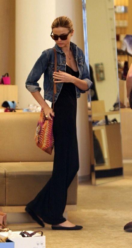 ミランダカー♡ マキシワンピにデニムジャケットは鉄板ですね。|MERY [メリー]