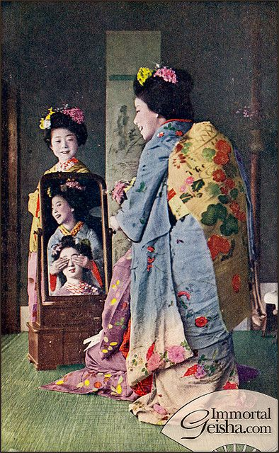 Taisho Era Maiko by Naomi no Kimono Asobi, via Flickr