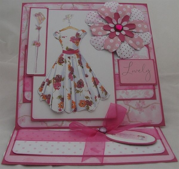 Taken from http://www.bgpaynecrafts.co.uk/free-lucy-cromwell-card-making-project