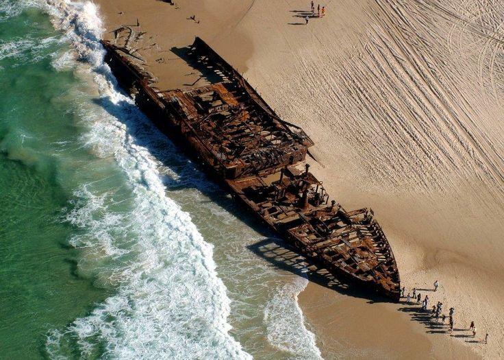 The Maheno Shipwreck.  Off Road Adventure Safaris.  www.tourcapeyork.com.au