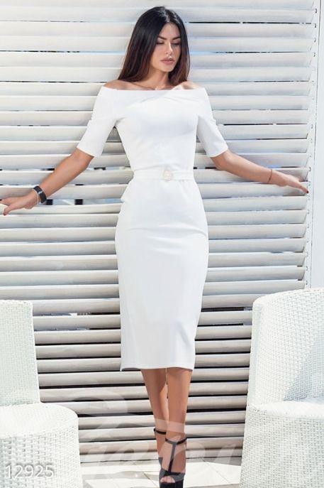 Оригинальное платье-футляр за 1 661 руб. .