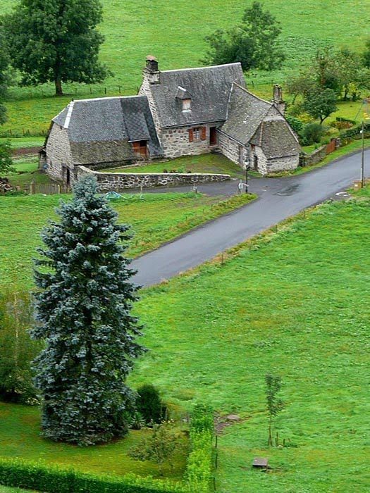 Tournemire, France, farmhouse: Countryside, France Farmhouse, Dreamy Farmhouses, Cottage, Farms Farmhouses, Barns Farmhouses, French Country, Dream Farmhouse, Place