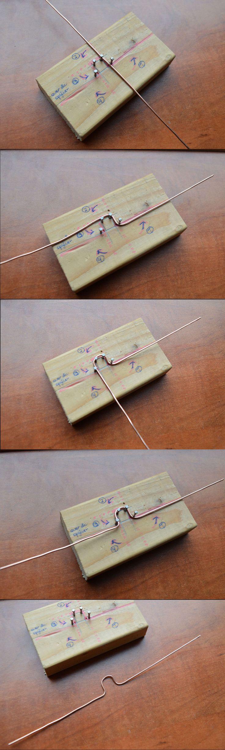 Sinterklaas krukas pietje buigsjabloon. Met dit hulpmiddel kunnen de kinderen in de klas zelf een krukas buigen. knutselen op school. Ben Smits