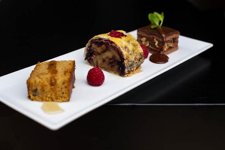 Postre. Brownie para Pesaj (Brownie de pascua judía), Torta Especiada y Strudel judío de manzana. Sefarad