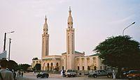 Mezquita de Nuakchot - Nuakchot es la capital de Mauritania desde 1957 y se encuentra situada en la costa del océano Atlántico. Su gentilicio es nuakchoteño.
