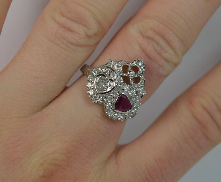 Stunning 18ct White Gold Heart Cut Diamond & Ruby Cluster Ring d0904