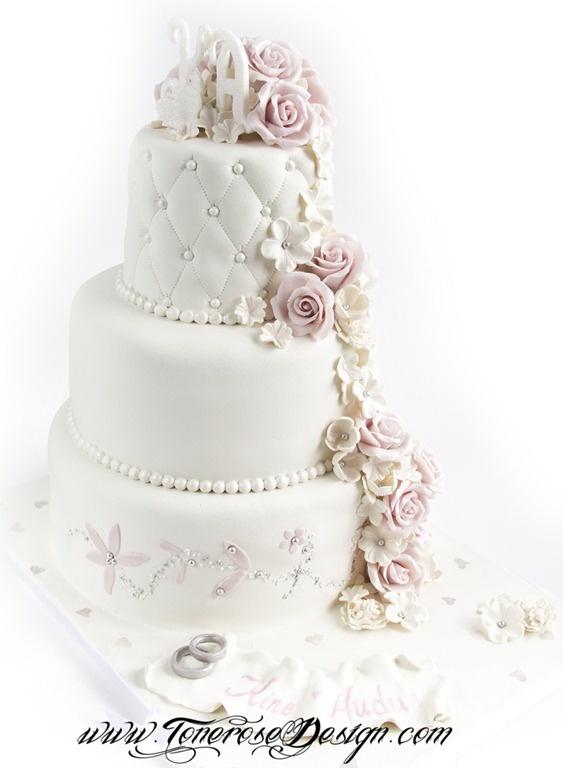 Romantisk Bryllupskake i hvit og lys rosa {Bildedryss} - ToneroseDesign