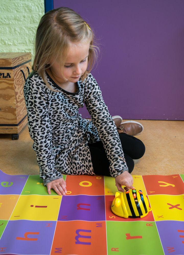 Bee-Bot lessugesties bij de ABC-mat