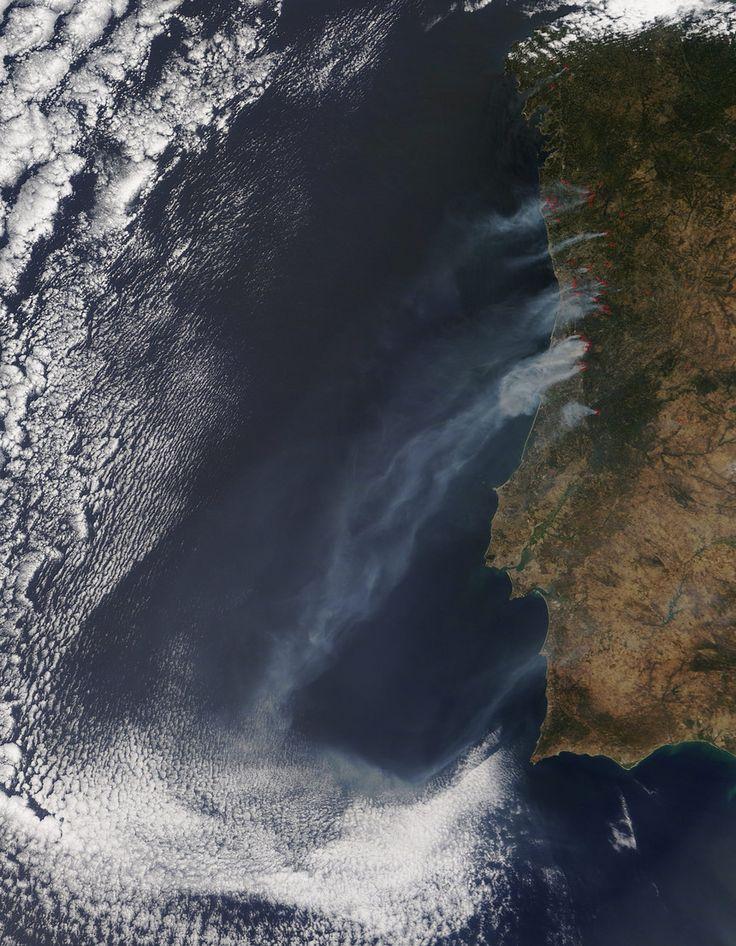 Expresso | Visto do espaço: as imagens impressionantes dos incêndios em PortugalVisto do espaço: as imagens impressionantes dos incêndios em Portugal  11.08.2016 às 14h195 Google+ Linkedin Pinterest  http://expresso.sapo.pt/sociedade/2016-08-11-Visto-do-espaco-as-imagens-impressionantes-dos-incendios-em-Portugal